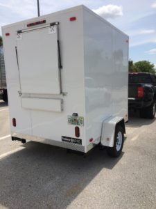 6' x 8' Trailer, back window.